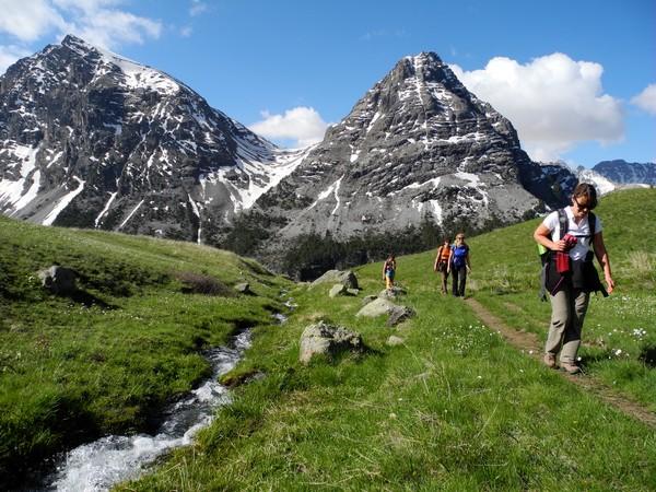 Cervieres, vallée sauvage du Briançonnais à pied -616d9bc1b30c4: /