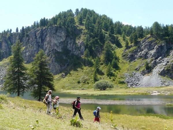Cervieres, vallée sauvage du Briançonnais à pied -616d9bc1b31ec: /