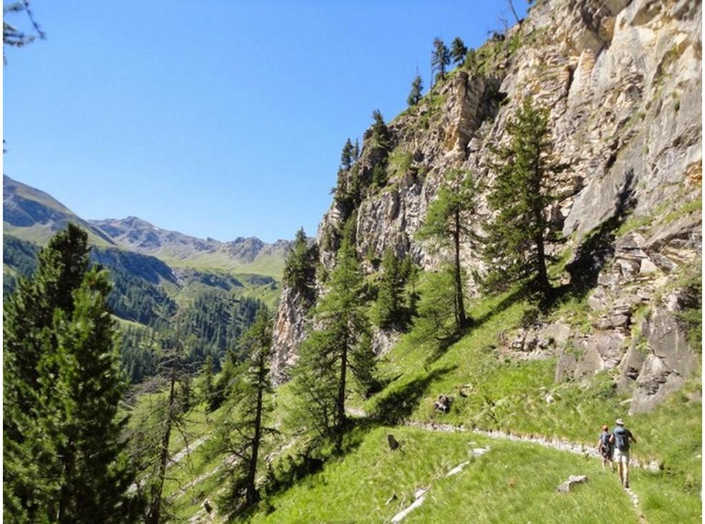 Cervieres, vallée sauvage du Briançonnais à pied -6037abafa401a: /