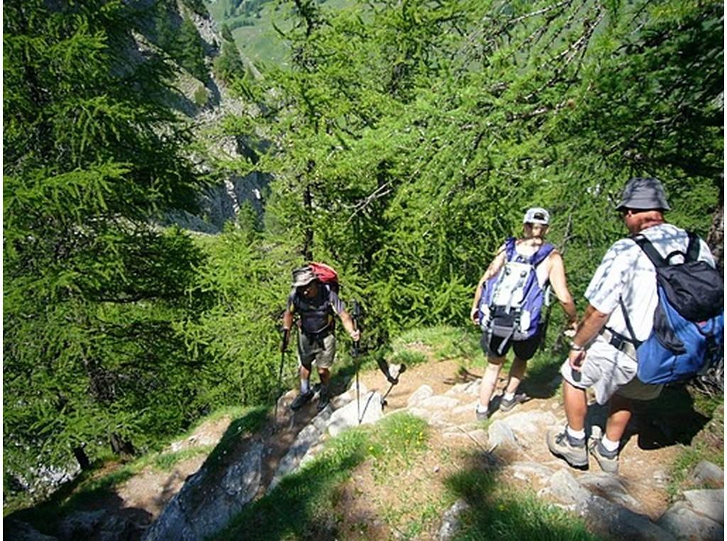 Cervieres, vallée sauvage du Briançonnais à pied -6037abafa417d: /